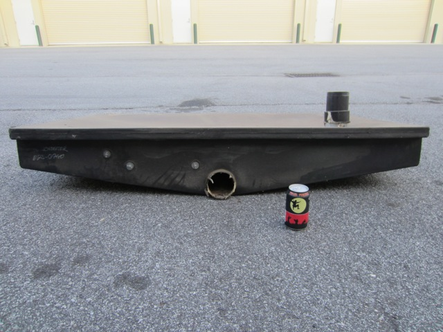 Black tank: 33.5 lbs