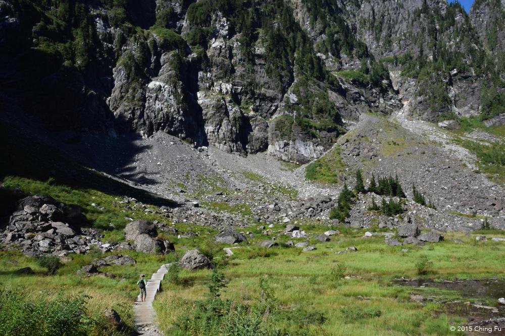 This trail loops around Lake Twentytwo.