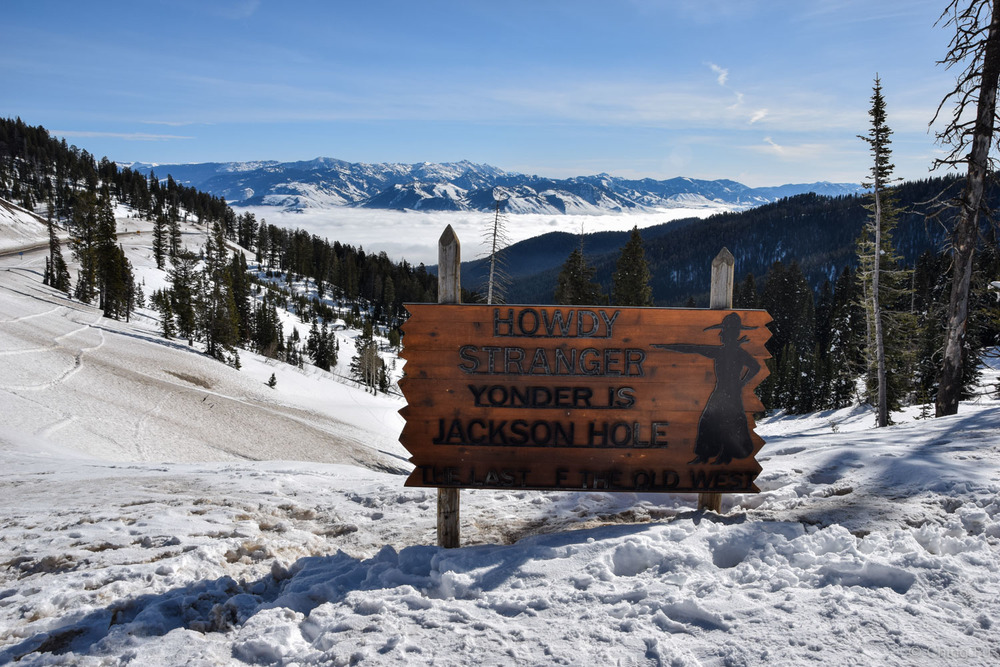 Welcome to Jackson sign at Teton Pass.