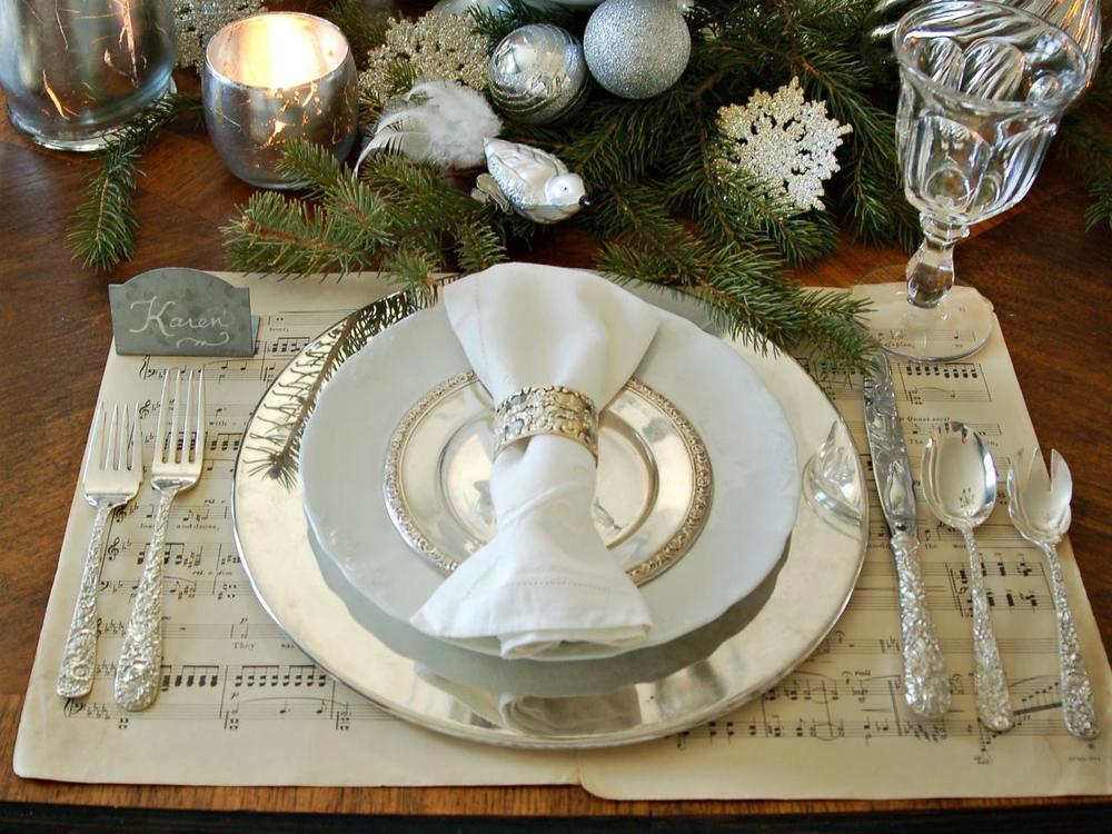 Original_Marian-Parsons-White-Silver-Place-Setting_s4x3.jpg.rend.hgtvcom.1280.960.jpeg