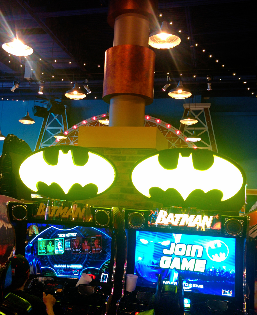 What I wouldn't give to take home one of those flashing batman signs.