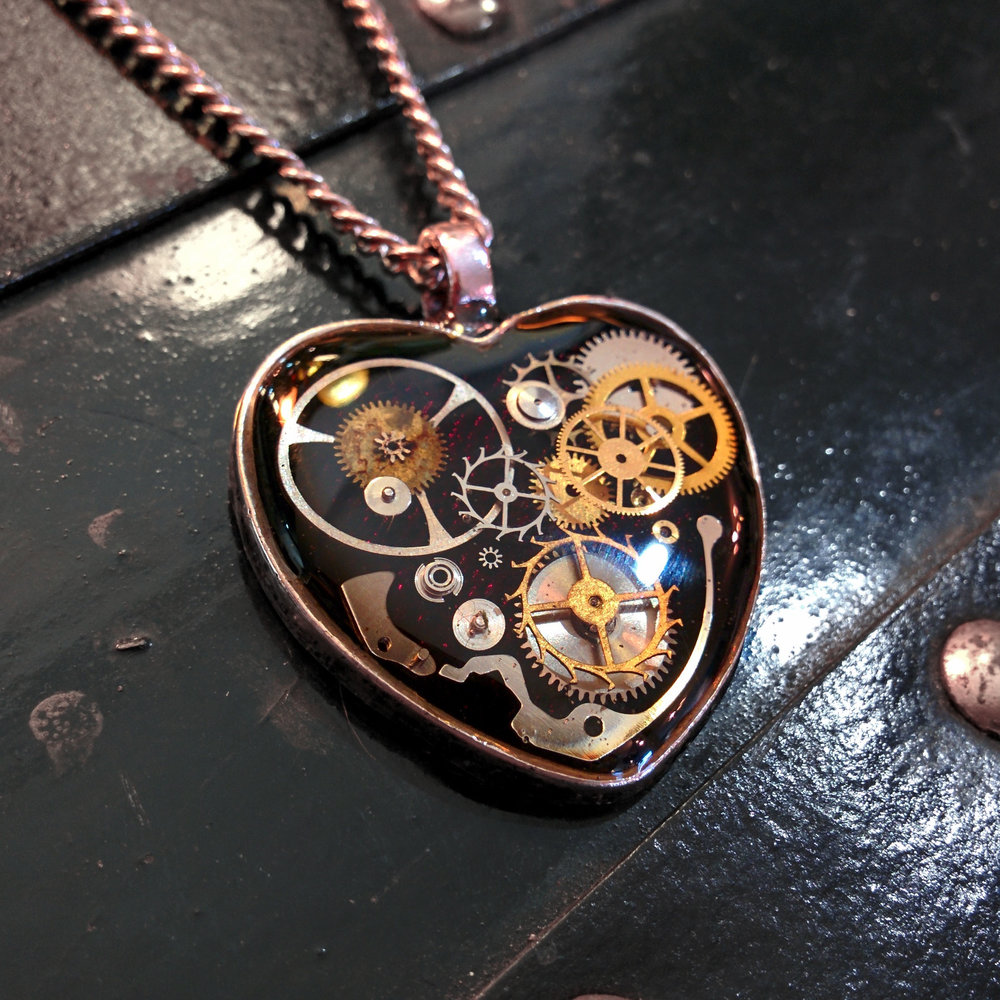 deepmagenta-mechanicalheart-aminda-wood.jpg
