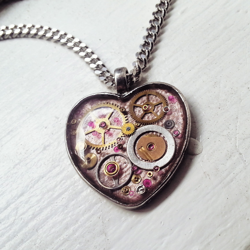 aminda-wood-pink-mechanical-heart-dec.jpg