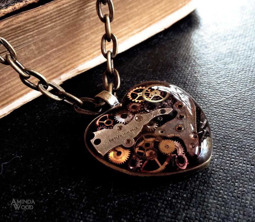 amindawood-mechanicalheartpendant2.jpg