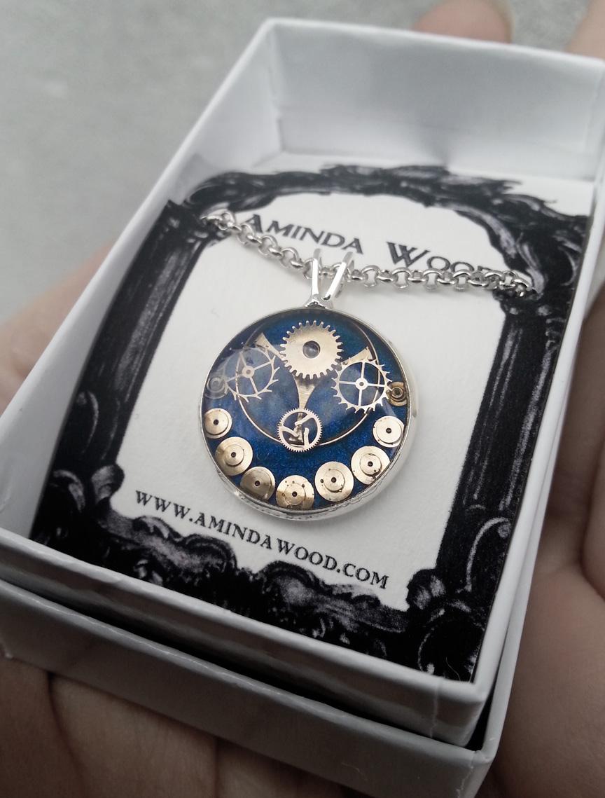 aminda-wood-saphirewatchpartpendant.jpg