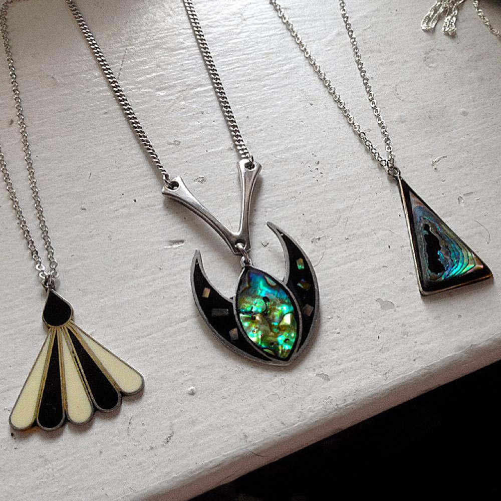 aminda-wood-pendants-for-chosen-vintage-ap2.jpg