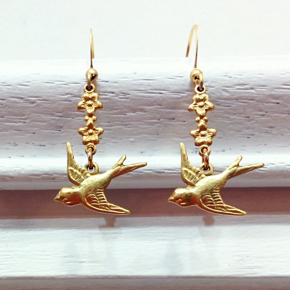 aminda-wood-sparrow-earrings.jpg
