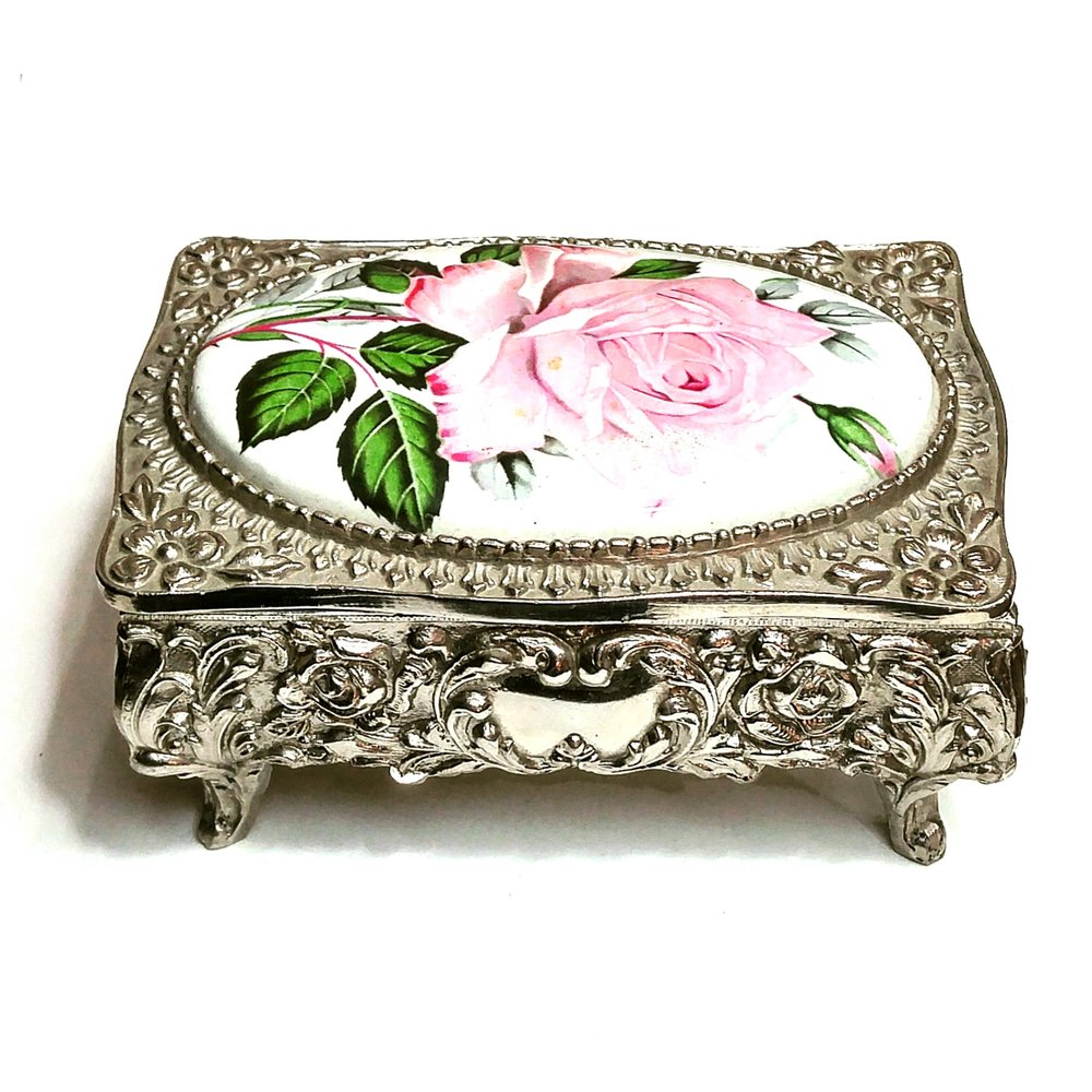 metal vintage jewelry box