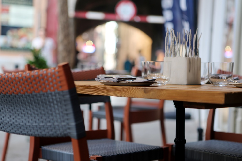2014-07-life-of-pix-free-stock-photos-palma-restaurant-pavement-area-table-chair-city.jpg