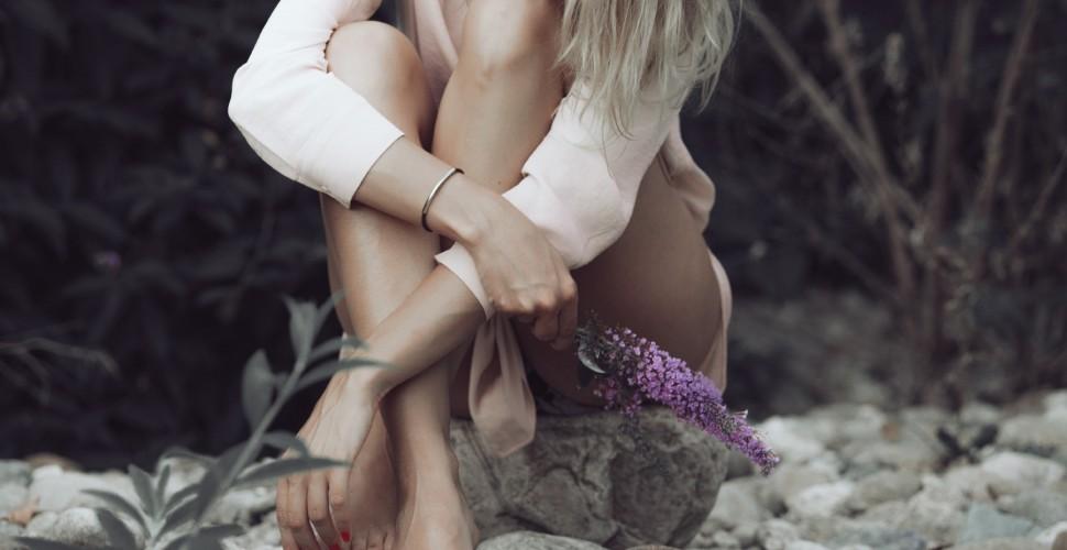 woman's legs.jpg