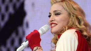 madonna singing6.jpg