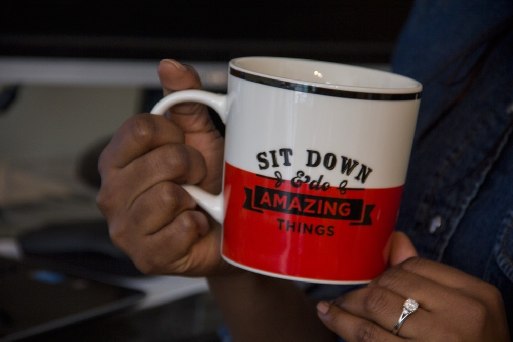 do amazing things mug.jpg