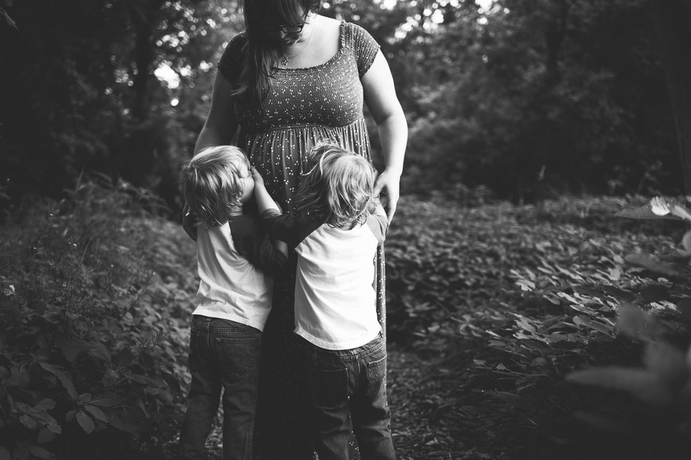Kansas City Lifestyle Family Photographer; twin boys; young family photography