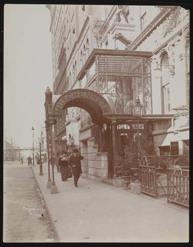 Muschenheim's Arena, 31st East of Broadway.ca. 1900. Byron Company.Museum of the City of New York93.1.1.10683
