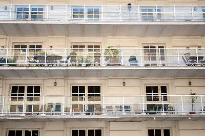 apartment-on-regents-canal-3-400.jpg
