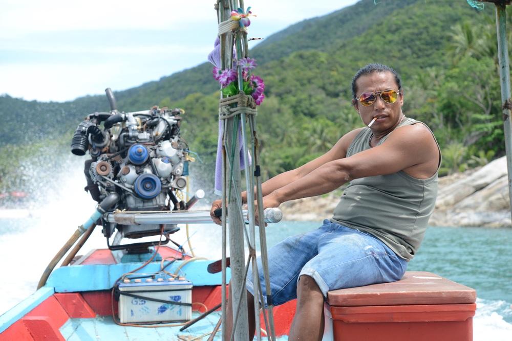 Unser verwegener Taxiboot Kapitän