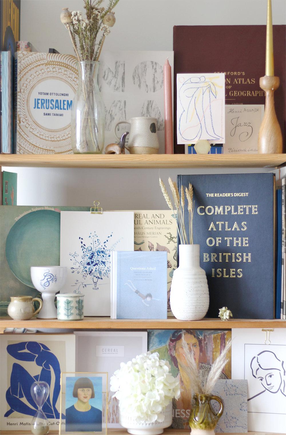 nancy-straughan-interior-stylist-bookshelf-styling.jpg