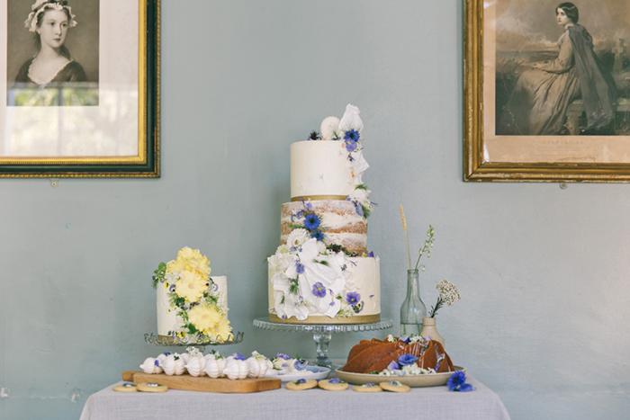 sea-shore-wedding-theme-stylist-nancy-straughan-cake.jpg