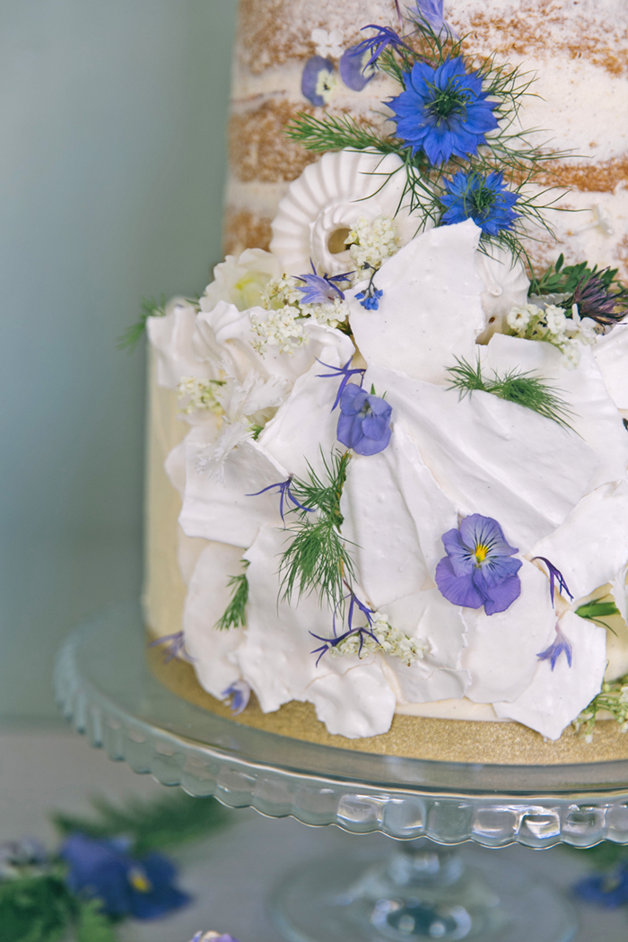 sea-shore-wedding-theme-stylist-nancy-straughan-edible-flower-naked-cake.jpg
