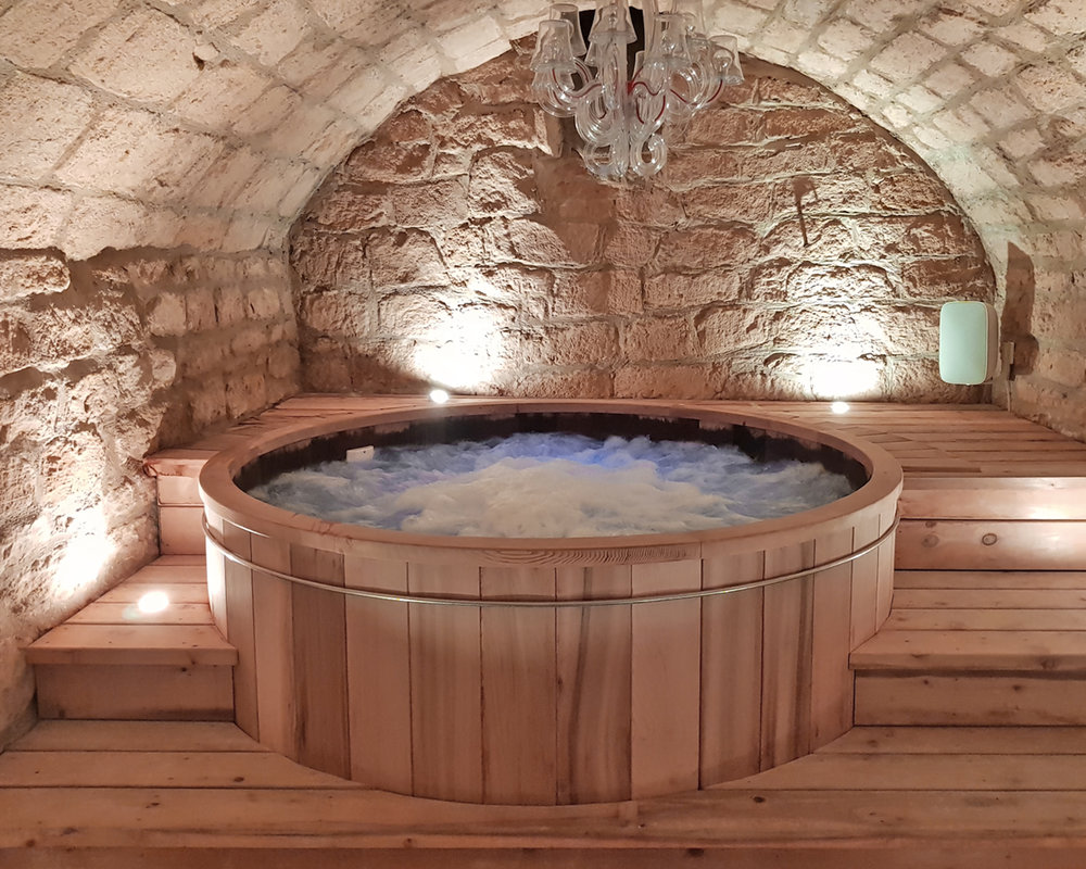 The amazing underground hot tub!