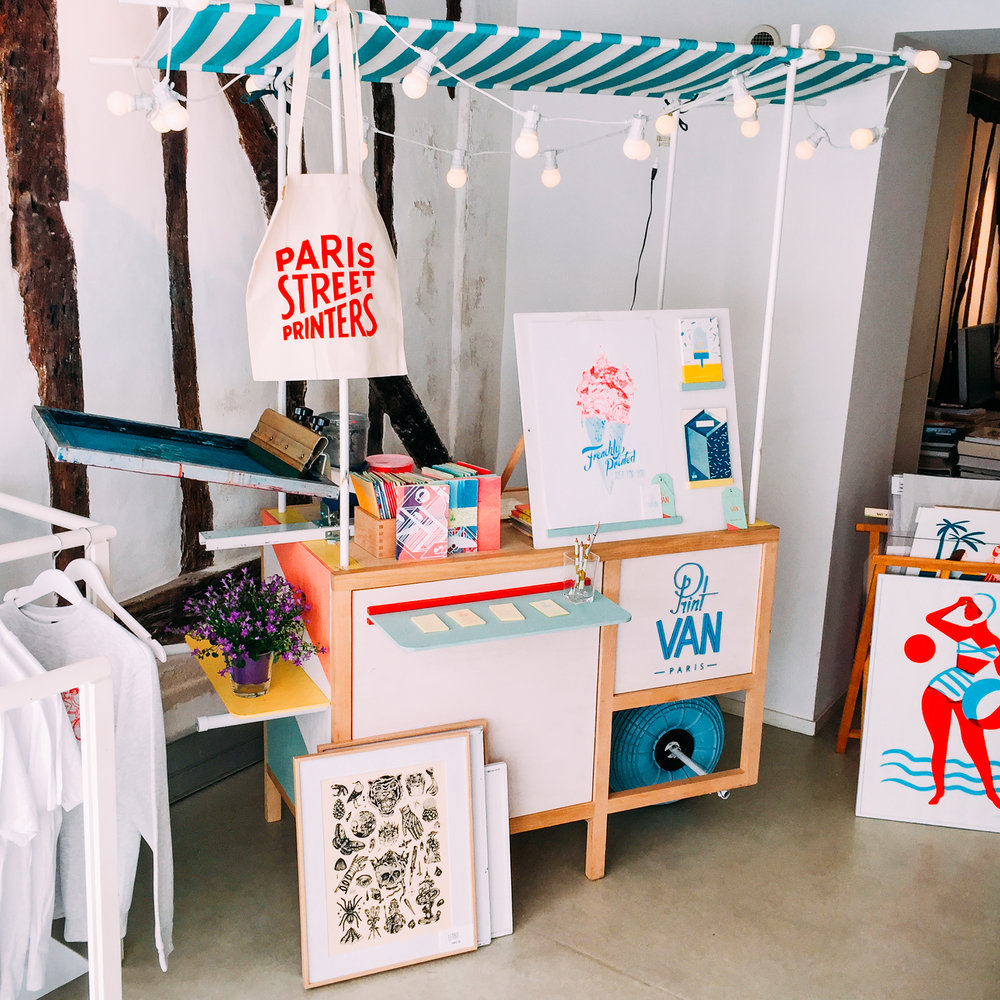 Le Print Stand -