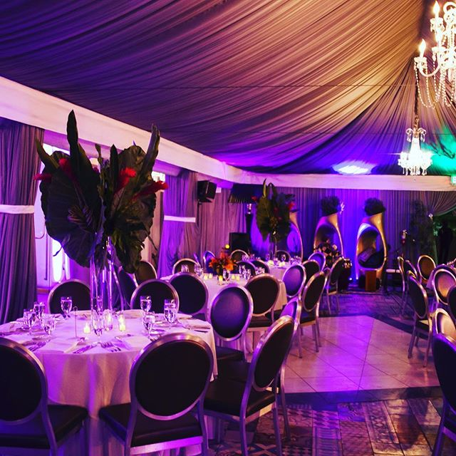 Lighting and design. #eventphotography #photography #party #holidaysarecoming #purple #lightingdesign #beautiful #elegant #luxeeventphotography #fun #lasocials #slsbeverlyhills