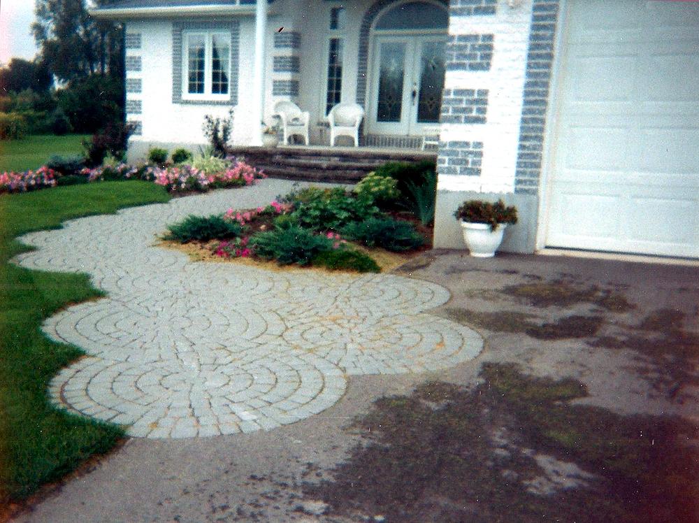 Paving Stone Pattern Entranceway | Riverview Design Solutions | Prescott, Ontario, Canada