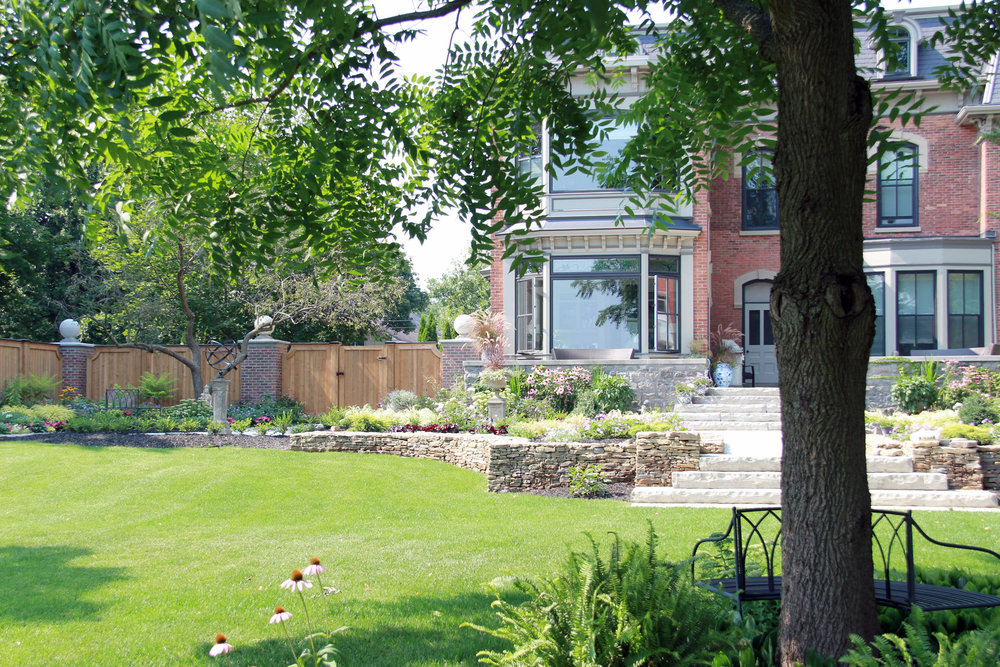 Riverview Design Solutions_Brockville_Landscaping.jpg