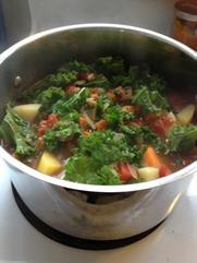 tomato_kale_soup.jpeg