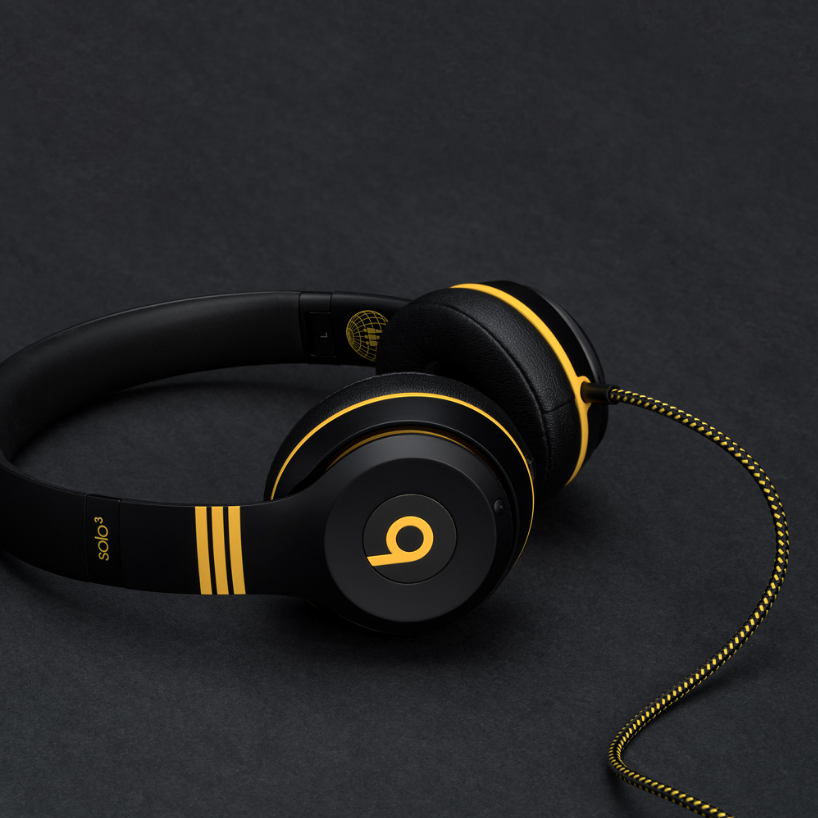 """ Styled in Third Man's iconic black and yellow, this striking collector's edition of Beats Solo3 Wireless sends a message that true music lovers and audiophiles will respect. """