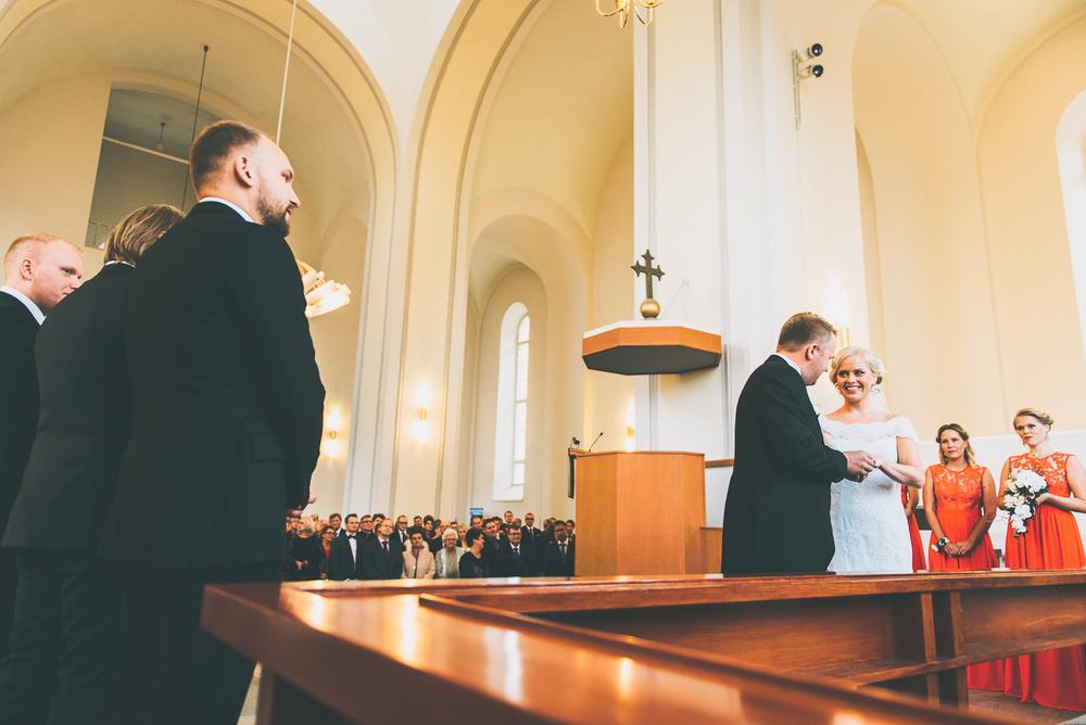 hääkuvaaja_helsinki_suomenlinna_js_disain_jere_satamo_wedding-photographer-finland-15.jpg