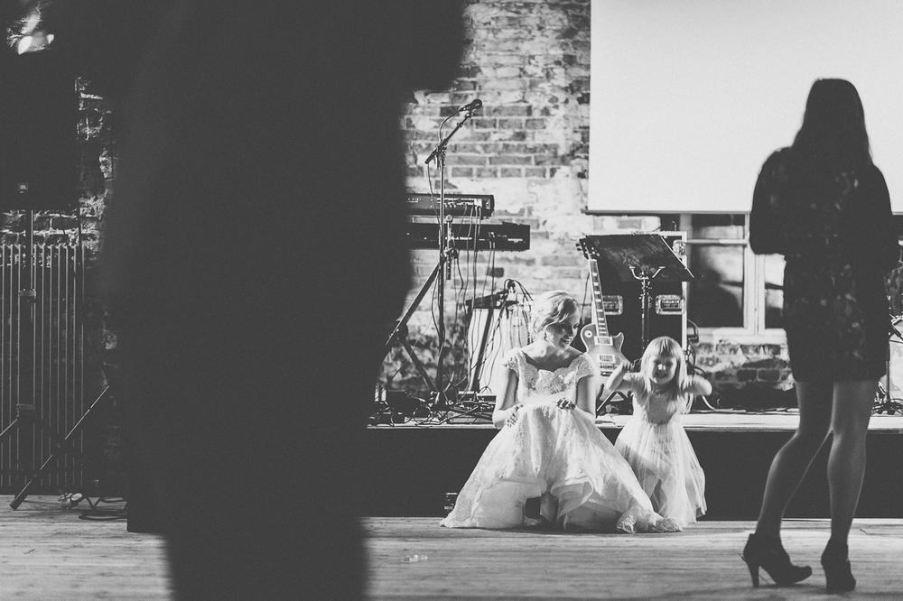 hääkuvaaja_helsinki_suomenlinna_js_disain_jere_satamo_wedding-photographer-finland-64.jpg