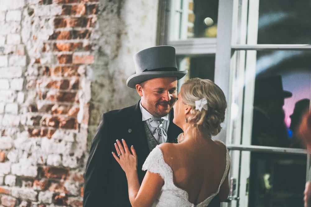 hääkuvaaja_helsinki_suomenlinna_js_disain_jere_satamo_wedding-photographer-finland-71.jpg
