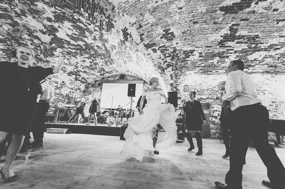 hääkuvaaja_helsinki_suomenlinna_js_disain_jere_satamo_wedding-photographer-finland-73.jpg