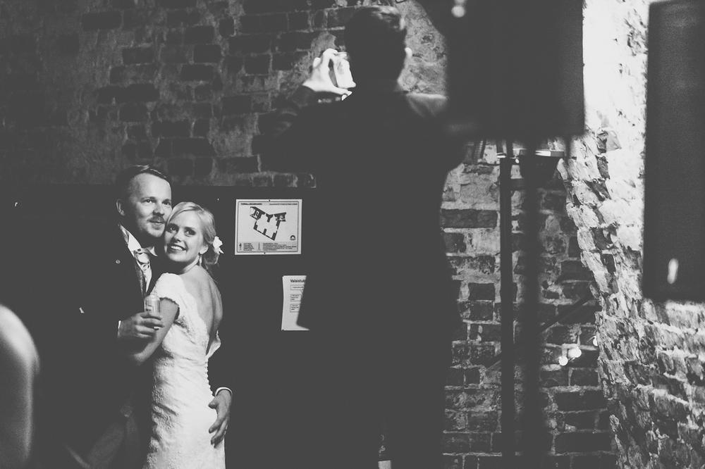 hääkuvaaja_helsinki_suomenlinna_js_disain_jere_satamo_wedding-photographer-finland-76.jpg