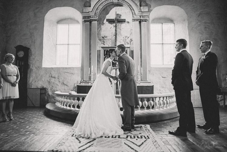 jere-satamo_wedding-photographer-finland_valokuvaaja-turku-020.jpg
