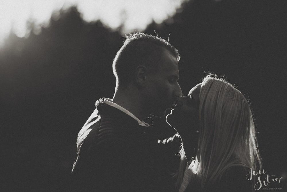 kihlakuvaus-turku_jere-satamo_valokuvaaja-wedding-photographer-025.jpg
