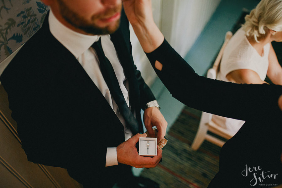 jere-satamo_valokuvaaja-turku_wedding-photographer-finland-mathildedal-valimo-024.jpg