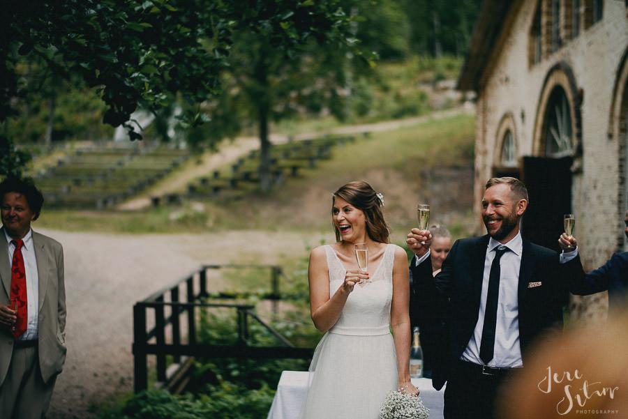 jere-satamo_valokuvaaja-turku_wedding-photographer-finland-mathildedal-valimo-084.jpg