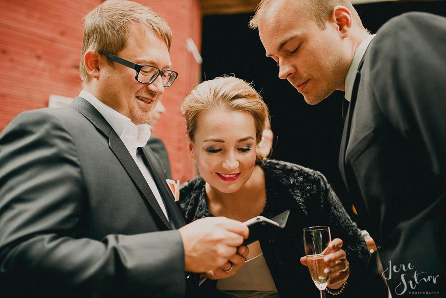 jere-satamo_valokuvaaja-turku_wedding-photographer-finland-mathildedal-valimo-087.jpg