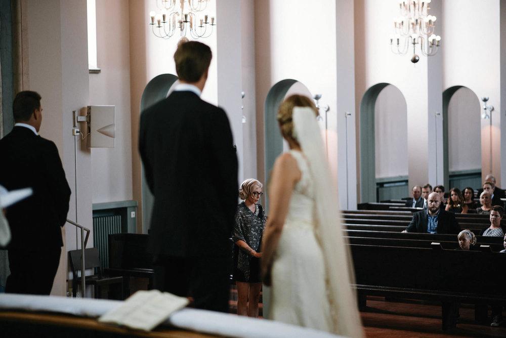 manilla-martin-kirkko-wedding-photographer-jere-satamo-256-web.jpg