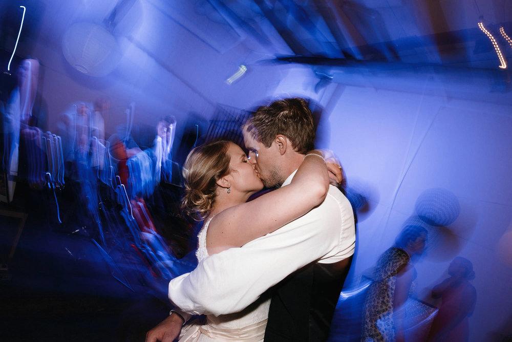 manilla-martin-kirkko-wedding-photographer-jere-satamo-725-web.jpg