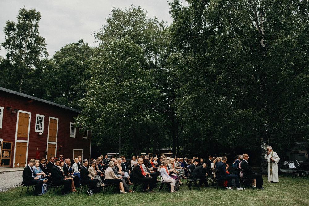 veistamo-haat-jere_satamo-ruissalo-weddings-035.jpg