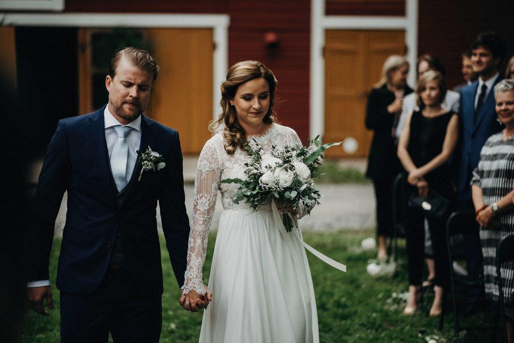 veistamo-haat-jere_satamo-ruissalo-weddings-042.jpg