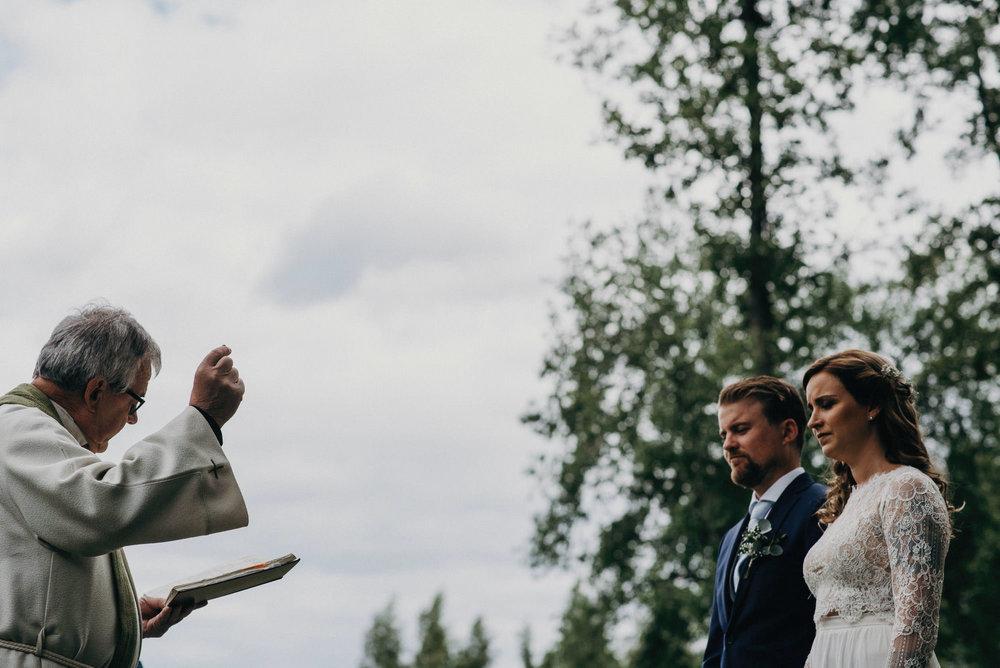 veistamo-haat-jere_satamo-ruissalo-weddings-045.jpg
