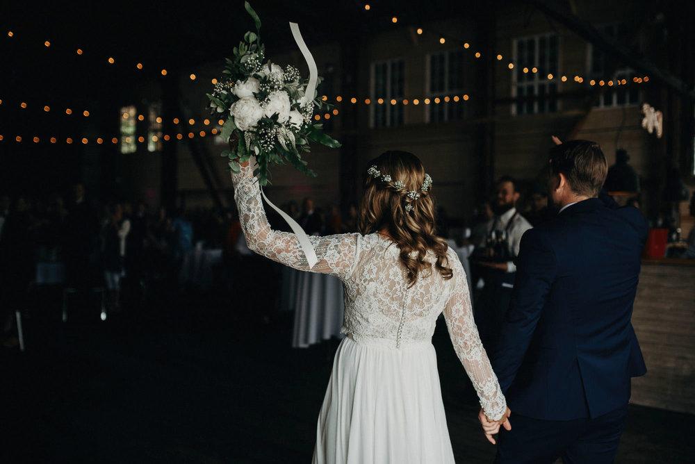 veistamo-haat-jere_satamo-ruissalo-weddings-059.jpg