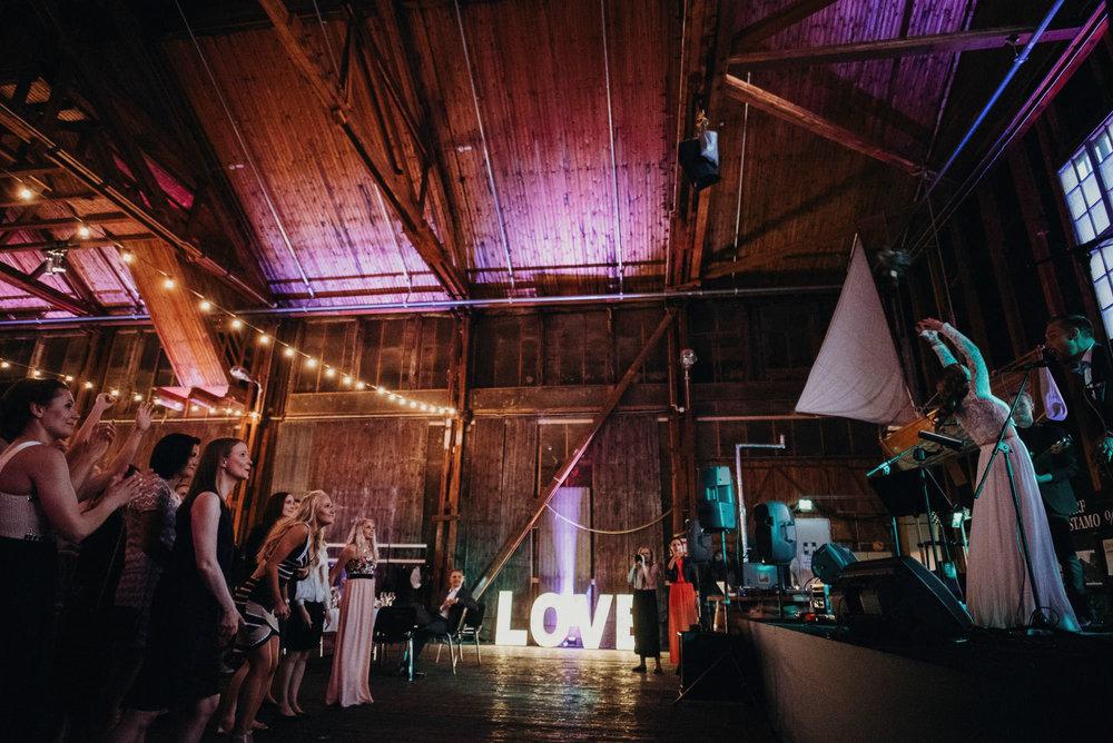 veistamo-haat-jere_satamo-ruissalo-weddings-095.jpg
