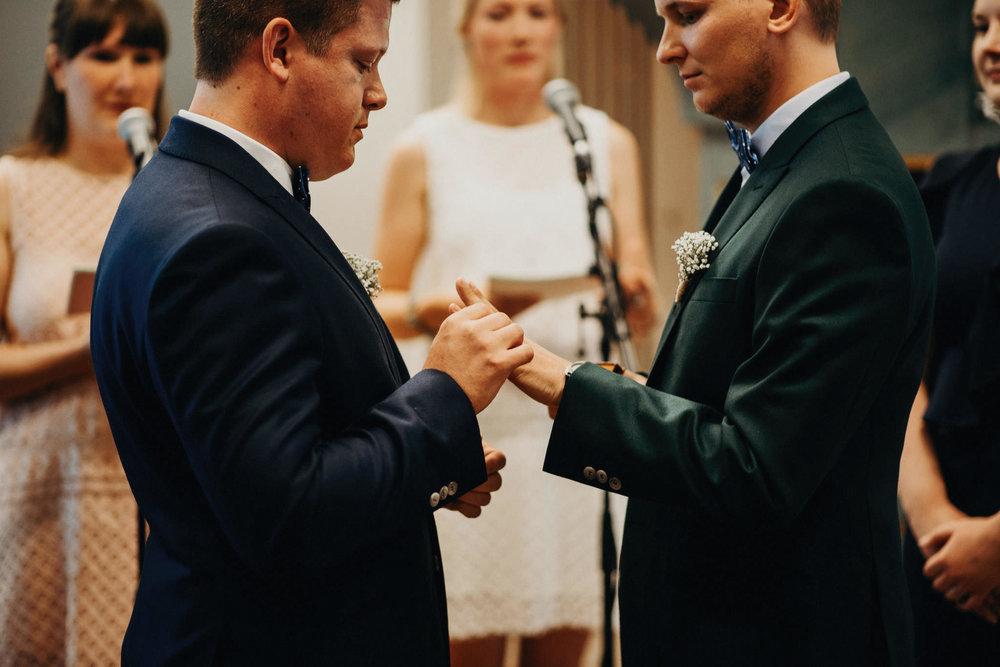 jere-satamo-ruissalo-haat-samesex-wedding-valokuvaaja-turku-016web.jpg