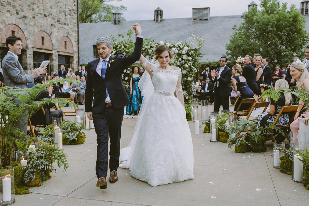 Best blue hill wedding planner Jove Meyer created a fresh and fun wedding at Blue Hill at stone barns.