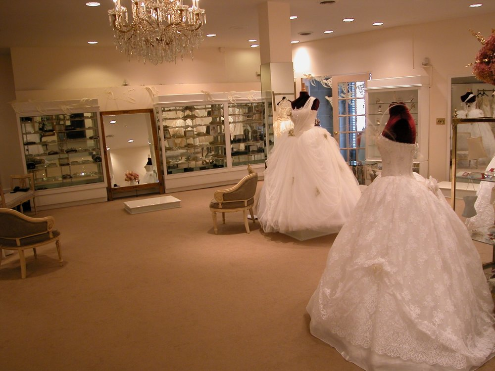 9 KLEINFELD INTERIOR HEADPIECE SALON1.jpg